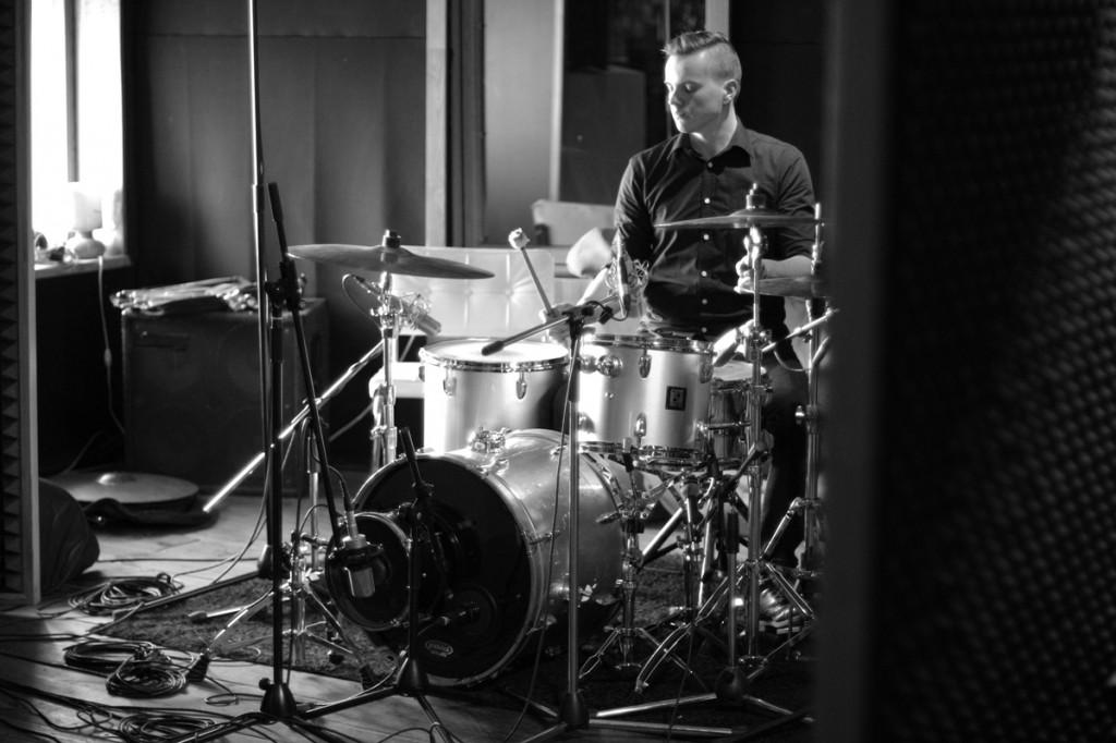 DEAL v LVGNC studios